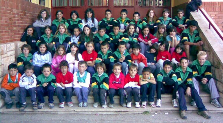 La indumenaria oficial del club es camiseta verde oliva - Colegio aparejadores teruel ...